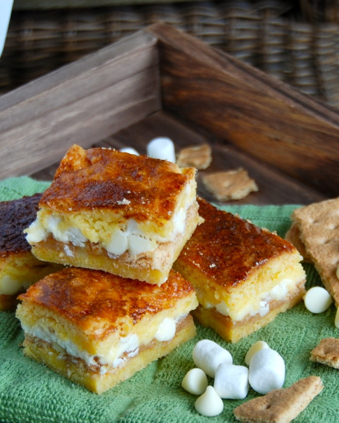 White Chocolate S'mores Gooey Cake Bars | Flying on Jess Fuel