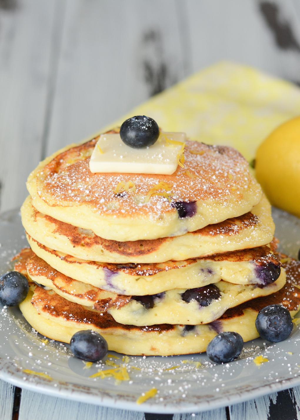 Blueberry Lemon Ricotta Pancakes | Flying on Jess Fuel