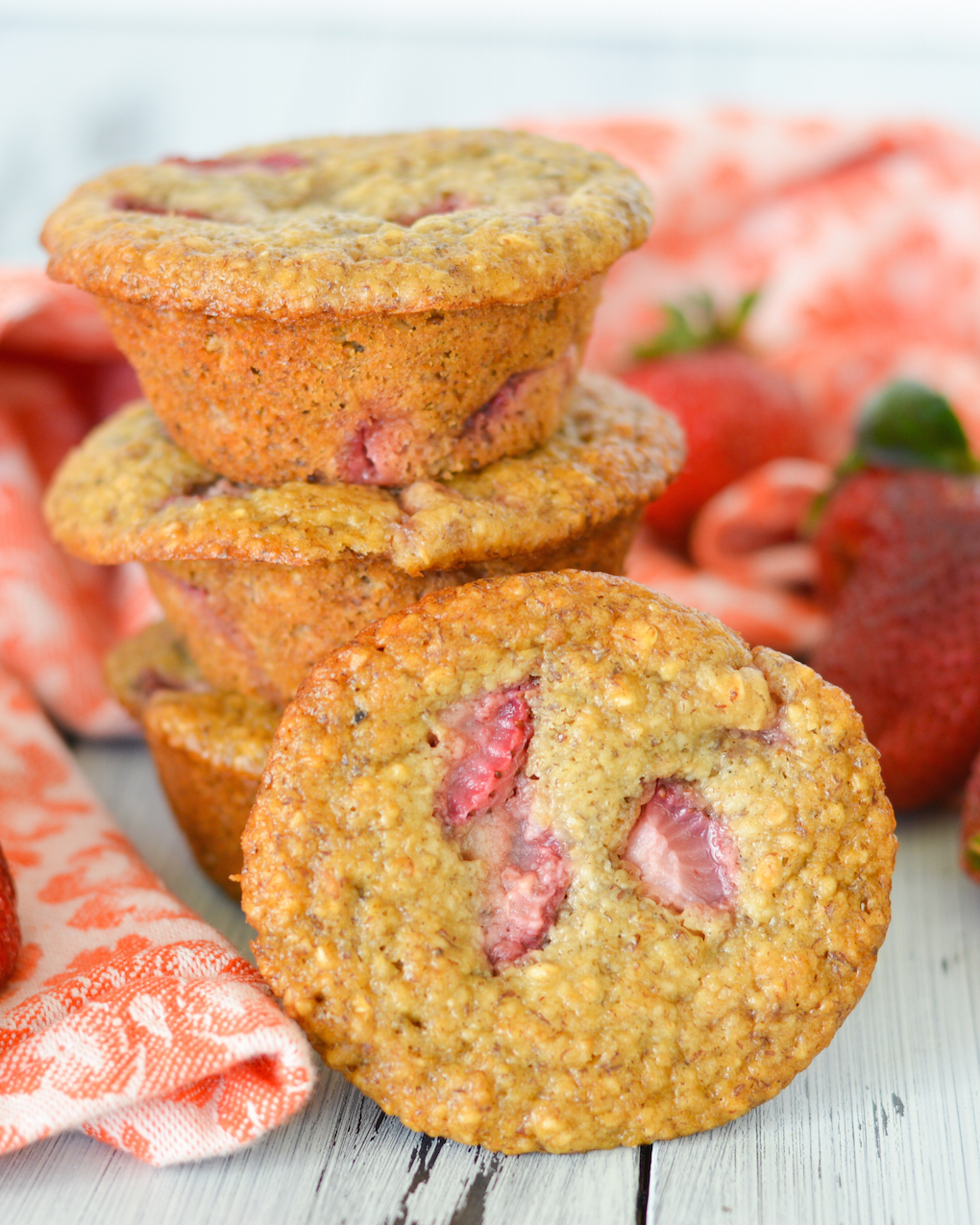 Strawberry Banana Oatmeal Flax Muffins | Flying on Jess Fuel